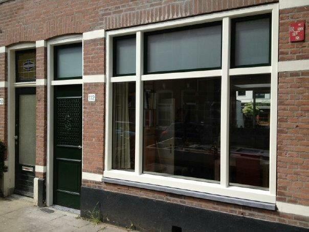 Knipping residence deur en classic woonkamer raam gemonteerd te Utrecht.