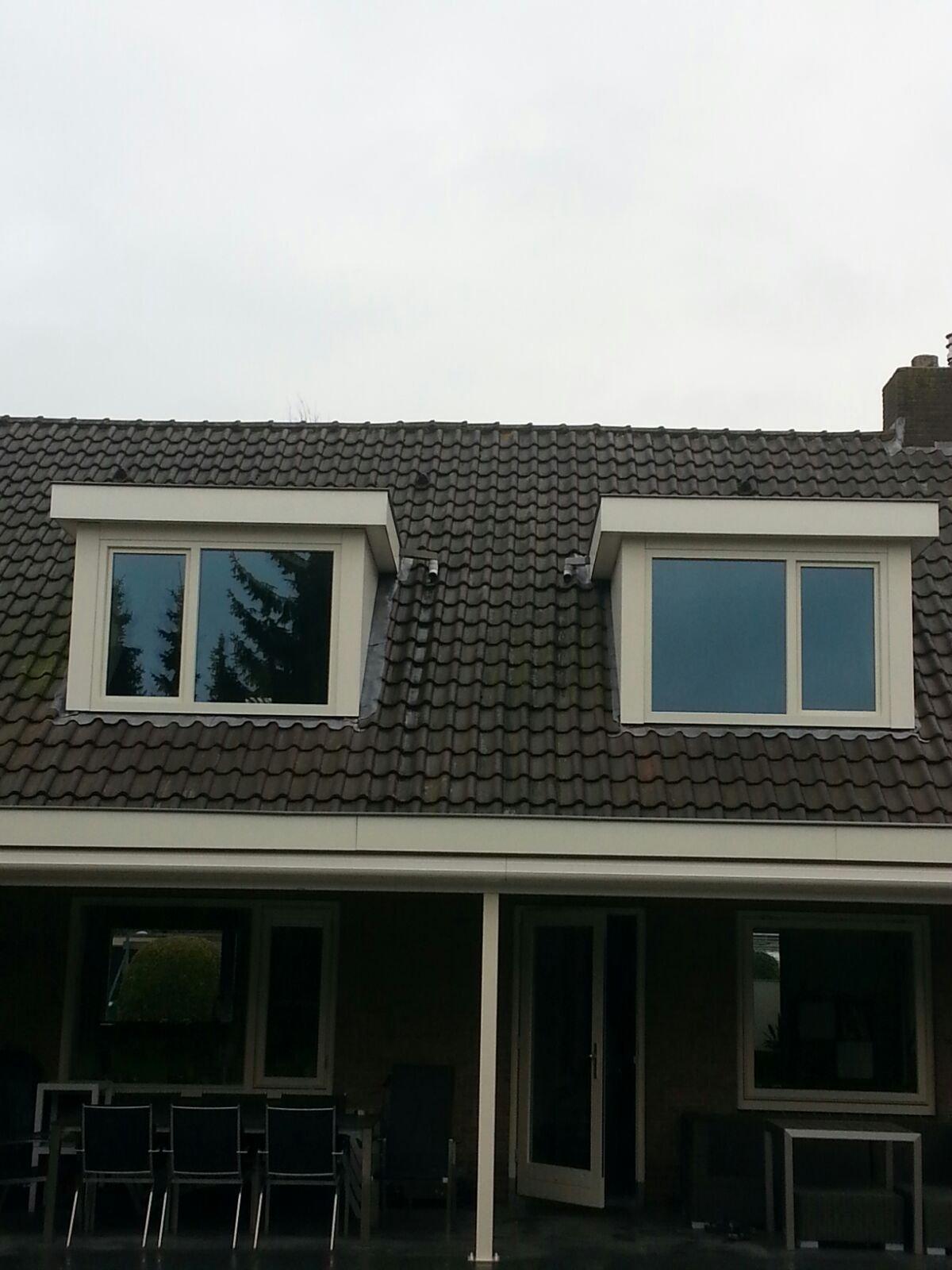 Drie dakkapellen gerenoveerd en voorzien van Knipping Elegance kozijnen te Houten.
