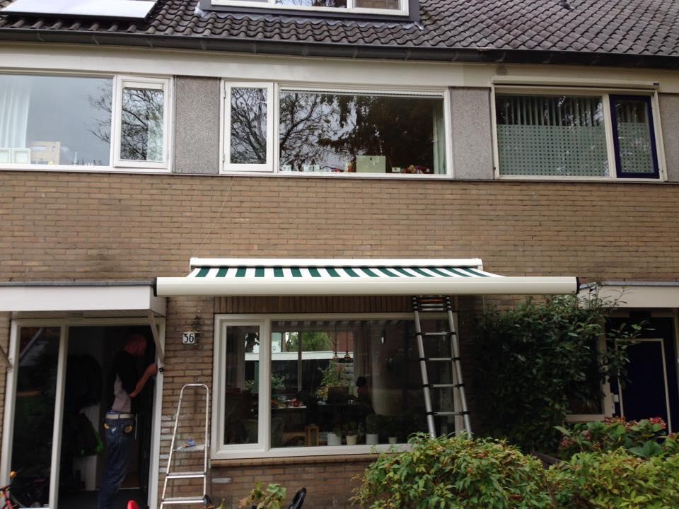 Gayko kozijnen, voordeur en een mooi zonnescherm gemonteerd te Bunnik.