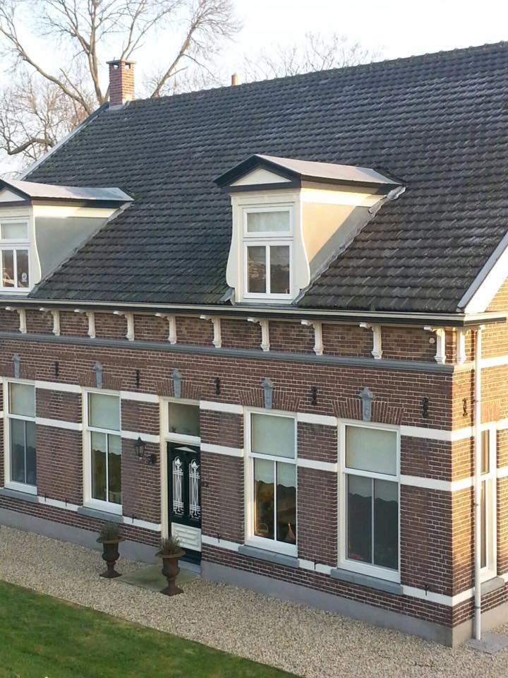 Knipping kozijnen geplaatst in mooie dijkwoning te Tienhoven.