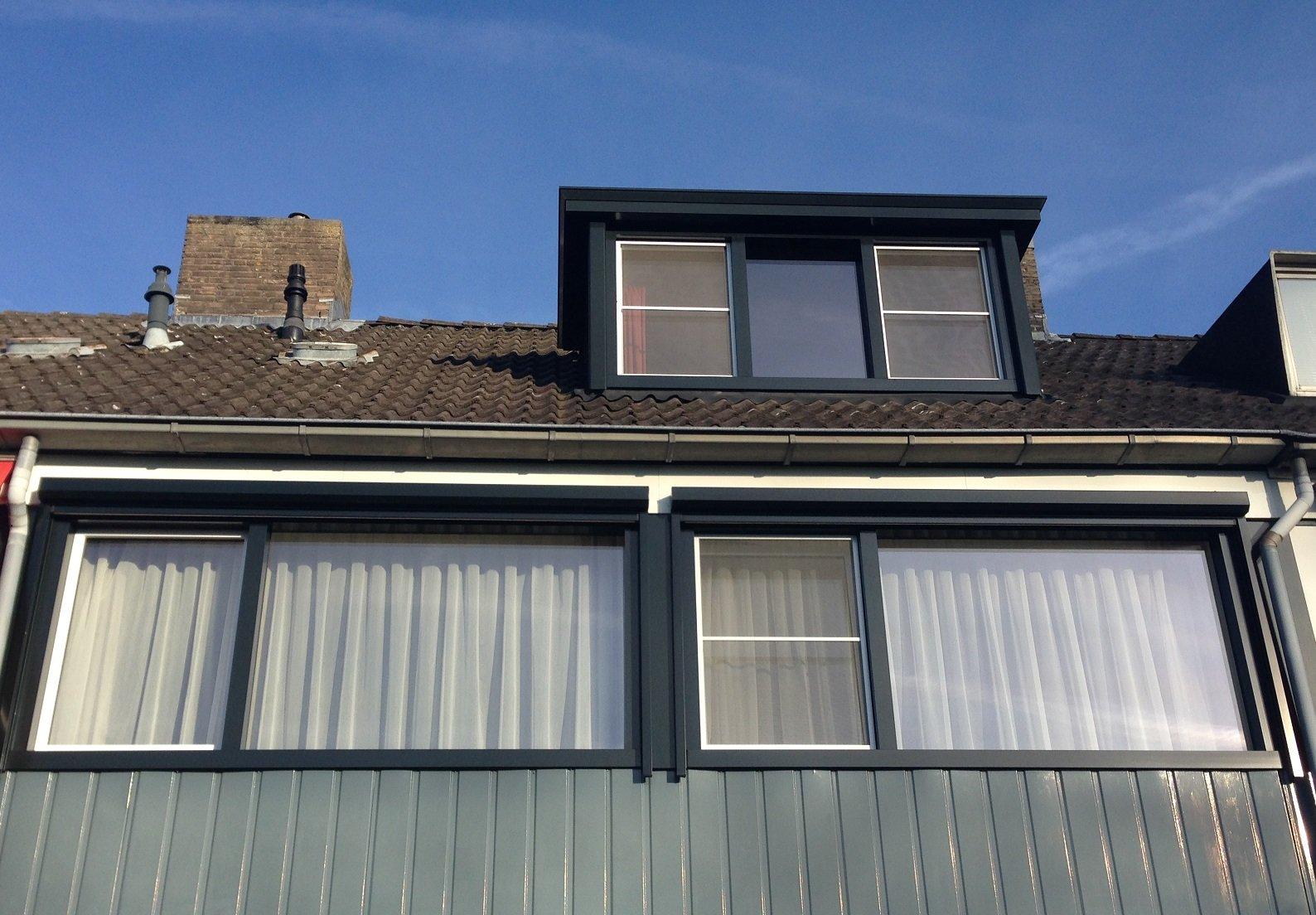 Knipping Timeless kozijnen, schuurdeur, achterdeur en dakkapel gemonteerd te Bunnik.